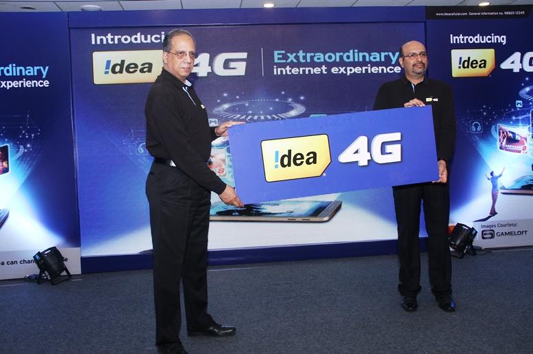 Rajat Mukarji (Left) & Sudhir Pradhan Launching Idea 4G In Shimla