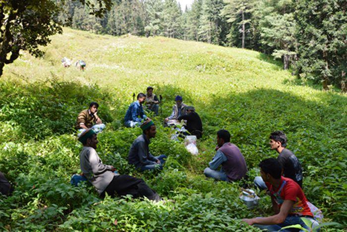 a-botanical-trek-to-chandernahan-the-moon-lake_1
