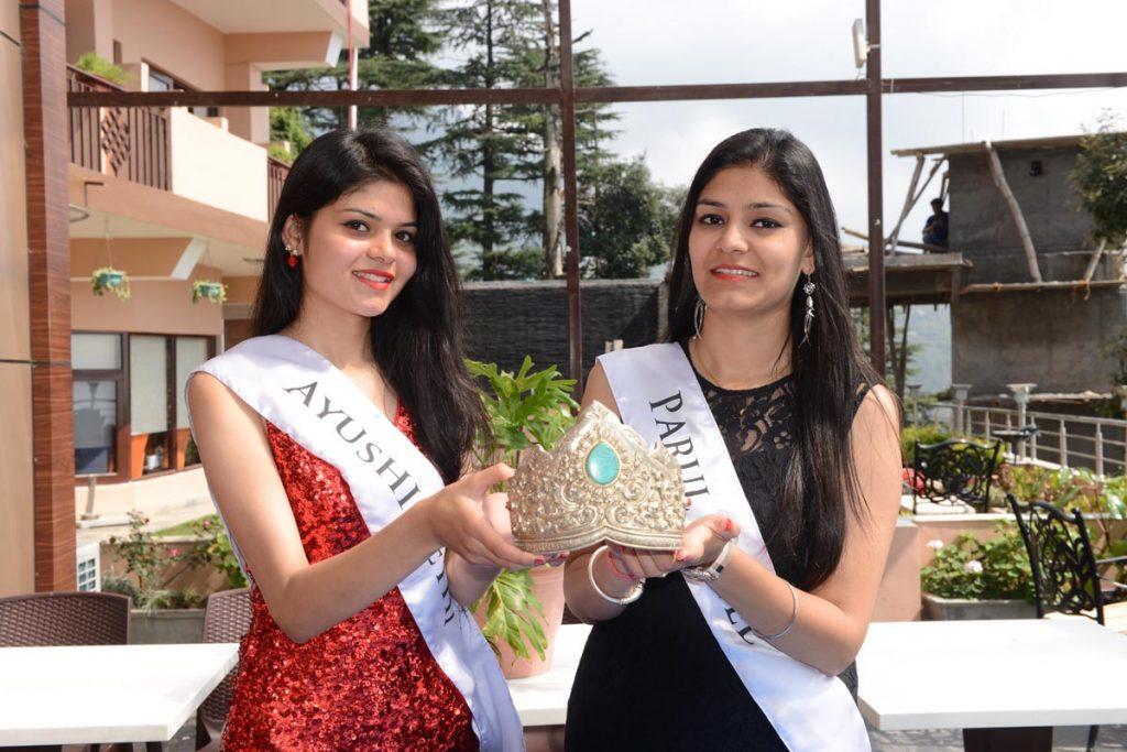 Contestants Ayushi Sethi, Parul Patel at McLeod Ganj (8th October 2016).
